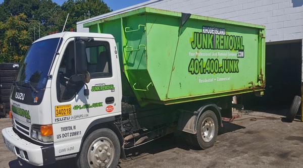 ri-junk-removal-isuzu